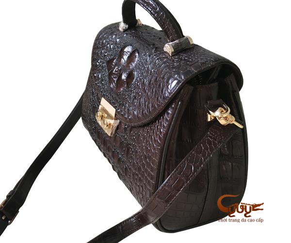 Túi xách da cá sấu màu nâu
